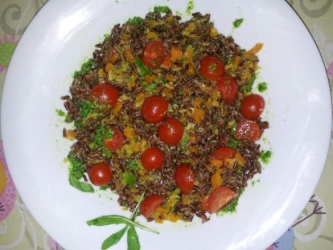 red rice salad with cucumber and tomato